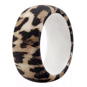 NWT White Leopard medical grade silicone ring